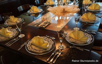 Der Heiligabend ist da und eine Zutat, Servietten oder Teelichter fehlen? Nur keine Panik!